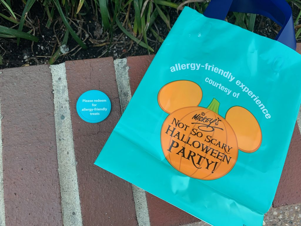 Teal Trick or Treat bag with Mickey Pumpkin and Teal Token
