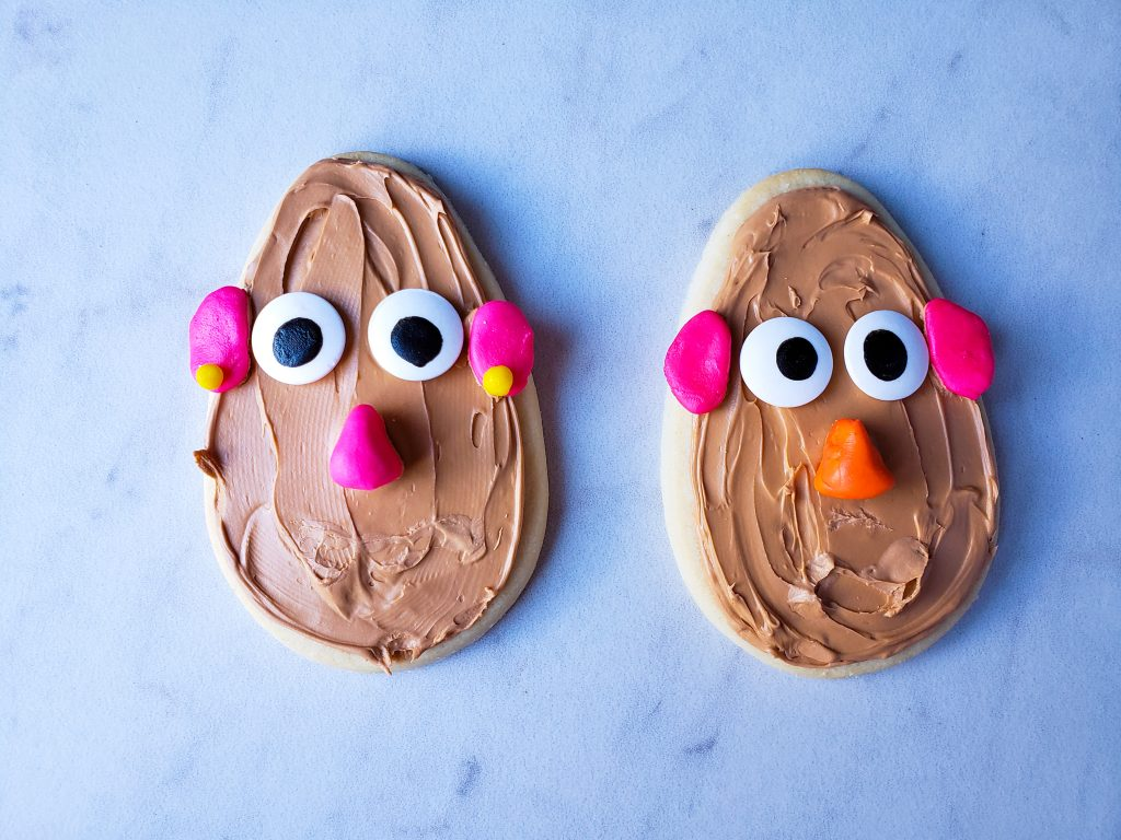 Mr. and Mrs Potato Head Cookie without mouthes