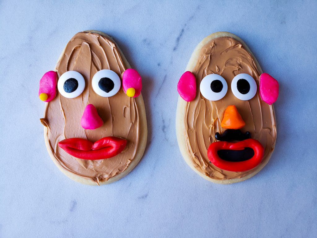 Mr. and Mrs Potato Head Cookie without hats