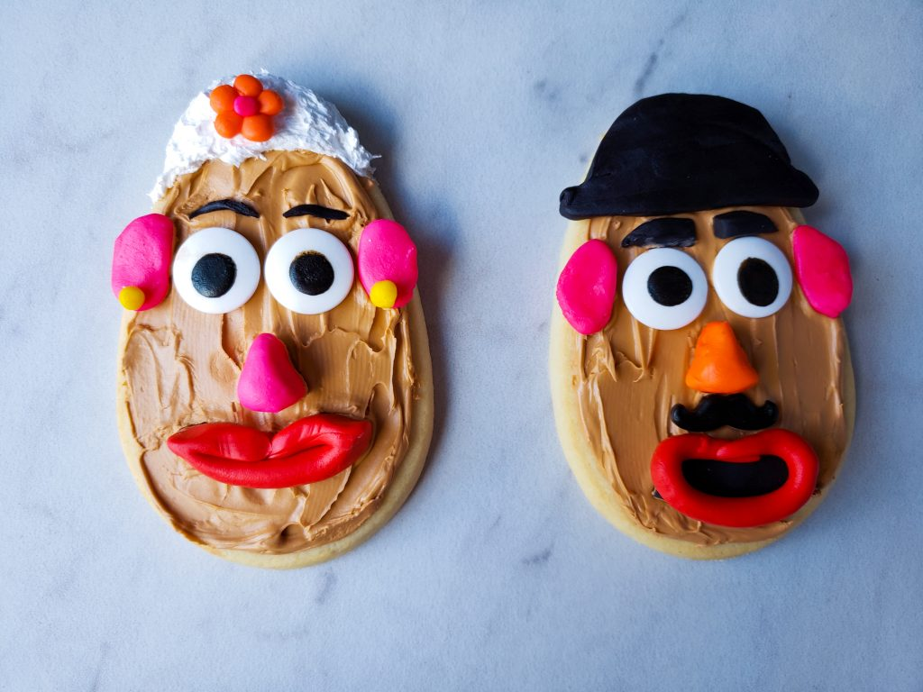 Finished Mr. and Mrs Potato Head Cookie