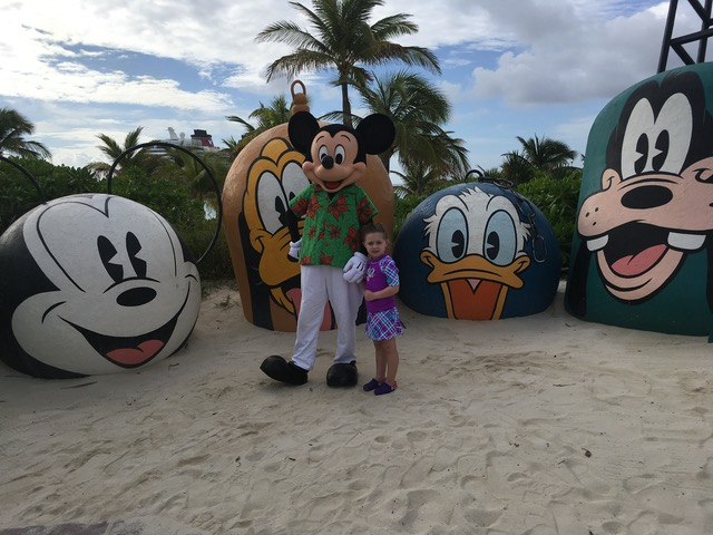 Holiday Beach Wear Mickey with The Shirley Family